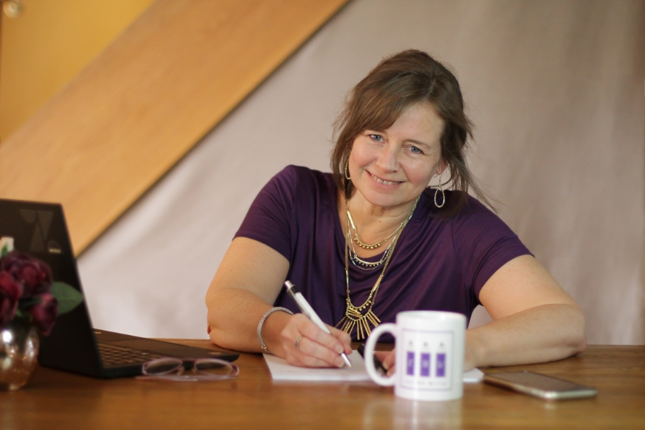 Freelance copywriter Michelle writing